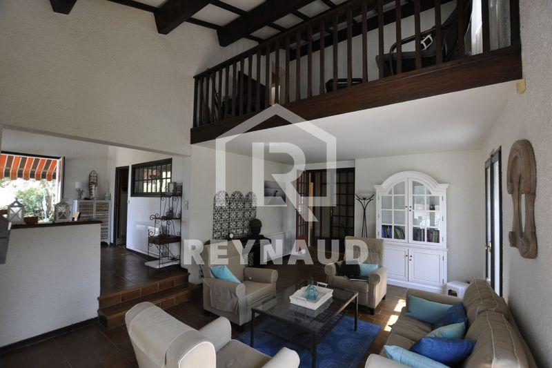 Photo Villa Le Pouget A750,   achat villa  5 chambres   147m²