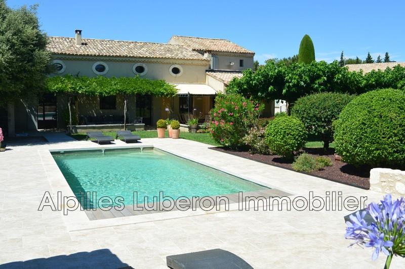 Maison Eygalières Proche village,  Location saisonnière maison  5 chambres   270m²