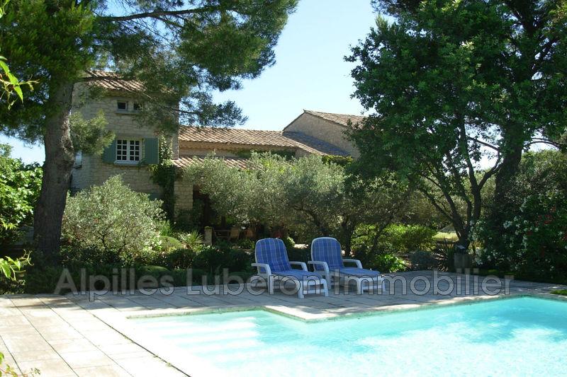 Maison en pierre Eygalières Proche village,  Rentals maison en pierre  4 bedroom   200m²