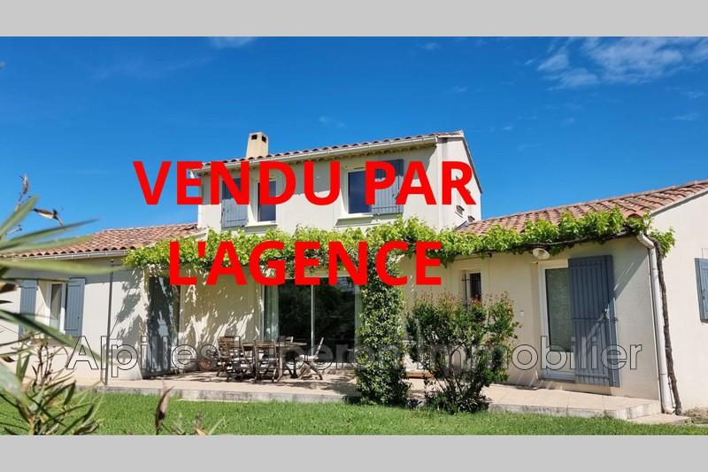 Villa Mollégès Centre-ville,   achat villa  3 chambres   120m²