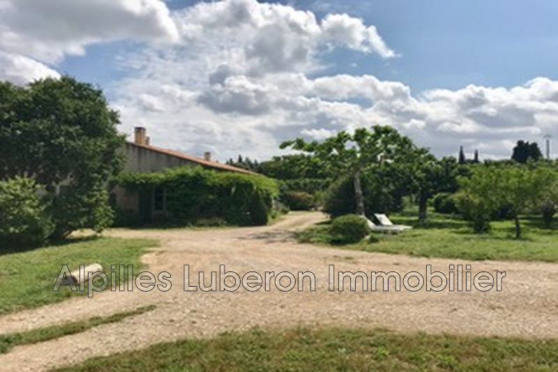 Photo Villa Eygalières   to buy villa  5 bedroom   190 m²