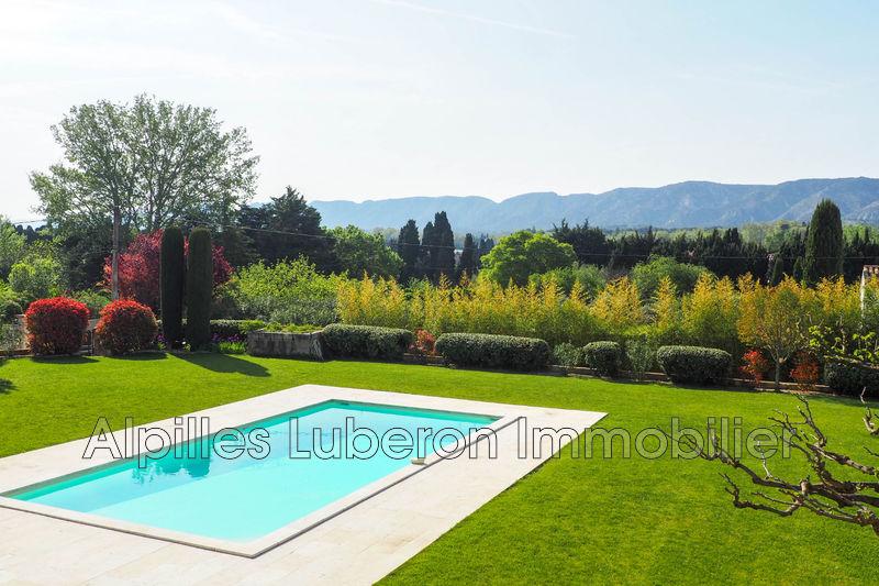 Maison de caractère Saint-Rémy-de-Provence A 5 minutes du centre-ville,   achat maison de caractère  6 chambres   300m²