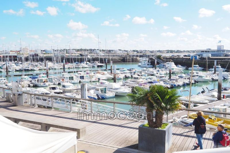 Photo  Royan Centre-ville,  Professionnel    77 m²