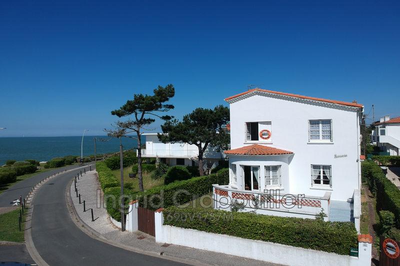 Photo Villa Vaux-sur-Mer Front de mer,   achat villa  4 chambres   130m²