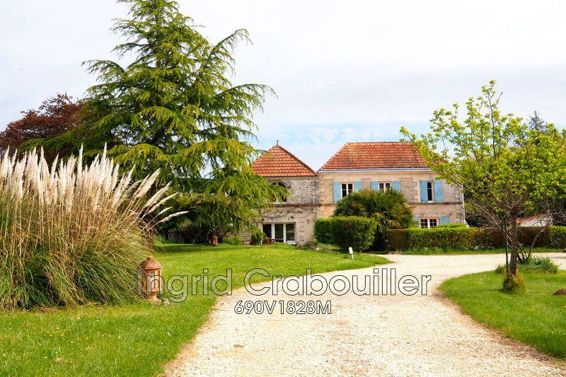 Maison de caractère Saint-Romain-de-Benet   achat maison de caractère  6 chambres   200m²