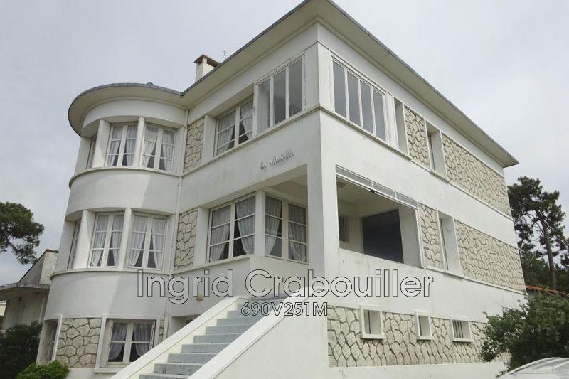 Photo Villa Saint-Georges-de-Didonne   achat villa  6 chambres   300m²