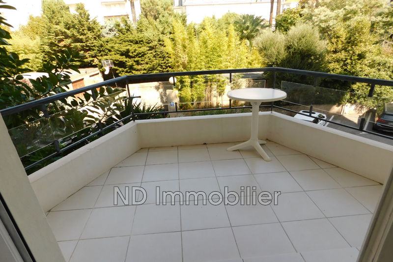 Photo n°2 - Vente appartement Cannes 06400 - 246 750 €