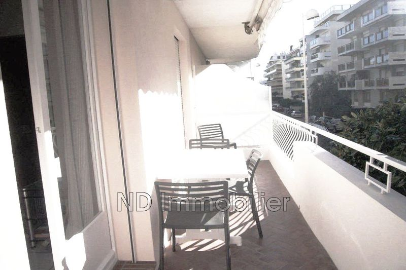 Photo Apartment Cannes Bord de mer,   to buy apartment  2 rooms   42 m²