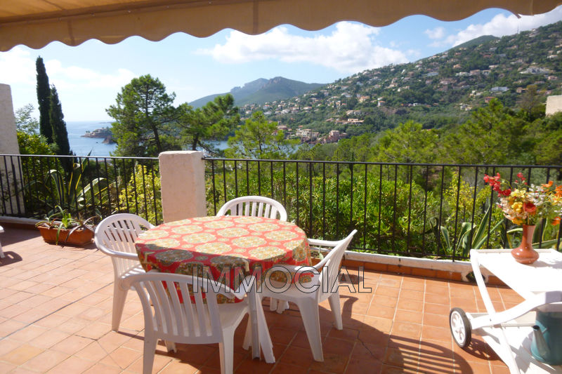 Photo Apartment Théoule-sur-Mer Miramar,   to buy apartment  2 rooms   47 m²