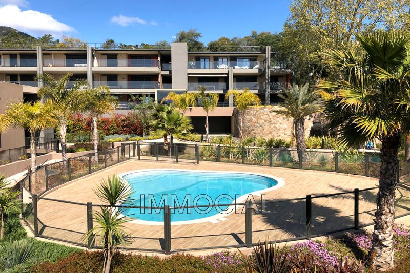 Photo Apartment Théoule-sur-Mer Miramar,   to buy apartment   68 m²