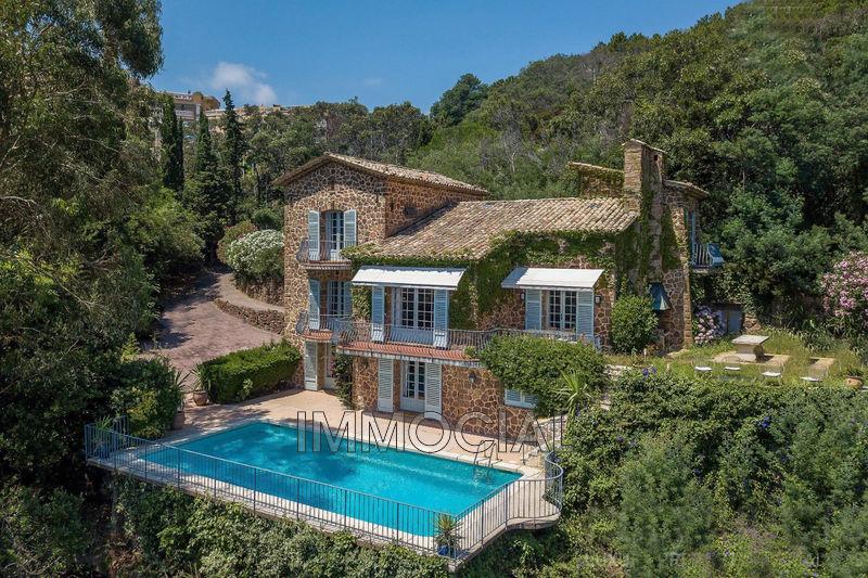 Photo Villa Théoule-sur-Mer Miramar,   achat villa  7 chambres   240m²