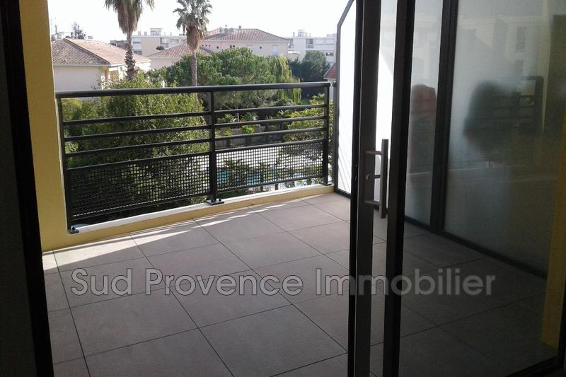 Apartment Antibes Jules grec,  Rentals apartment  2 rooms   42 m²