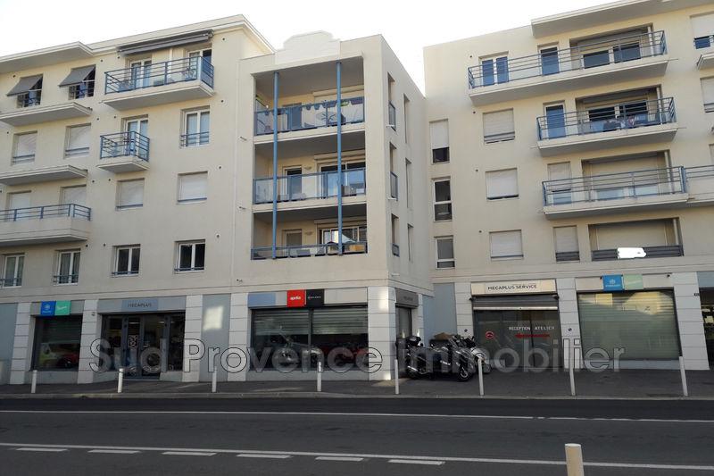Appartement Antibes Centre-ville,  Location appartement  3 pièces   67m²