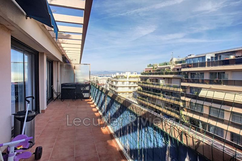 Photo Appartement Antibes Bd wilson,  Location appartement  3 pièces   55 m²