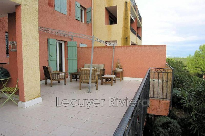 Photo Appartement Mougins Mougins le haut,  Location appartement  2 pièces   43 m²