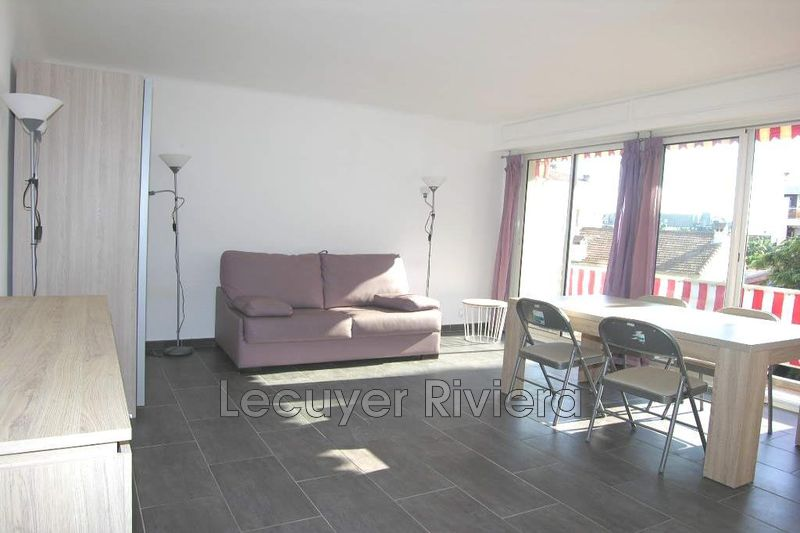 Photo Appartement Juan-les-Pins Centre,  Location appartement  1 pièce   28 m²