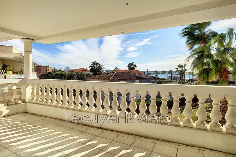Photo Appartement Golfe-Juan Proche mer,  Location appartement  2 pièces   50m²