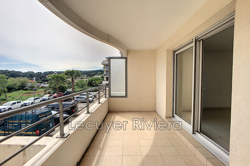 Photo Appartement Antibes Les combes,  Location appartement  2 pièces   44 m²