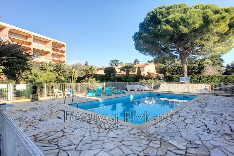 Photo Apartment Golfe-Juan  Rentals apartment  1 room   30 m²