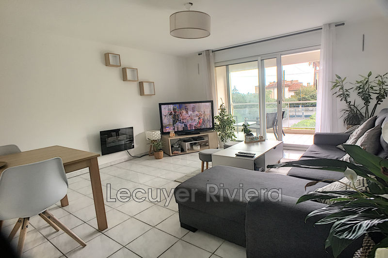 Photo Appartement Golfe-Juan Centreville,  Location appartement  2 pièces   47 m²