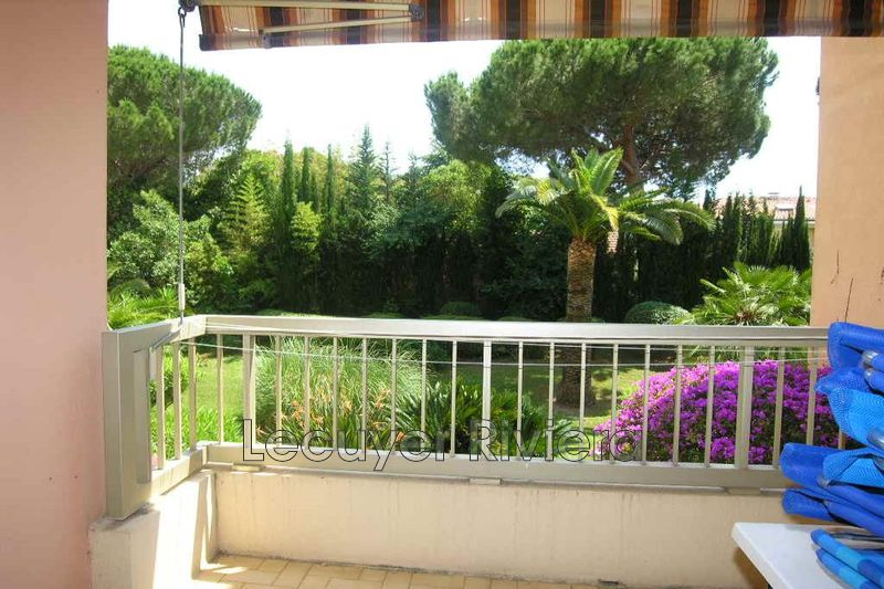 Photo Apartment Golfe-Juan Pompidou,  Rentals apartment  2 rooms   41 m²