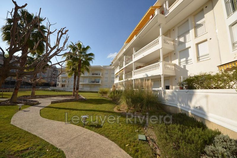 Photo Apartment Golfe-Juan Proche mer,  Rentals apartment  1 room   25 m²
