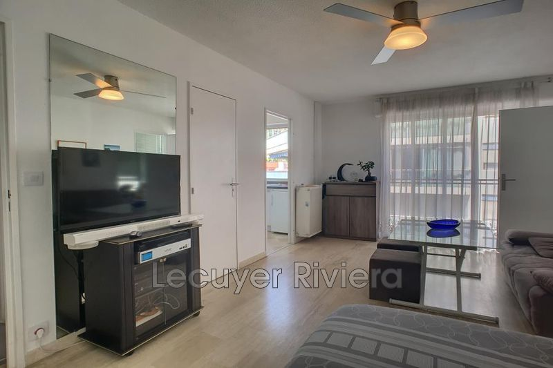 Photo Appartement Golfe-Juan Centreville,  Location appartement  1 pièce   27 m²
