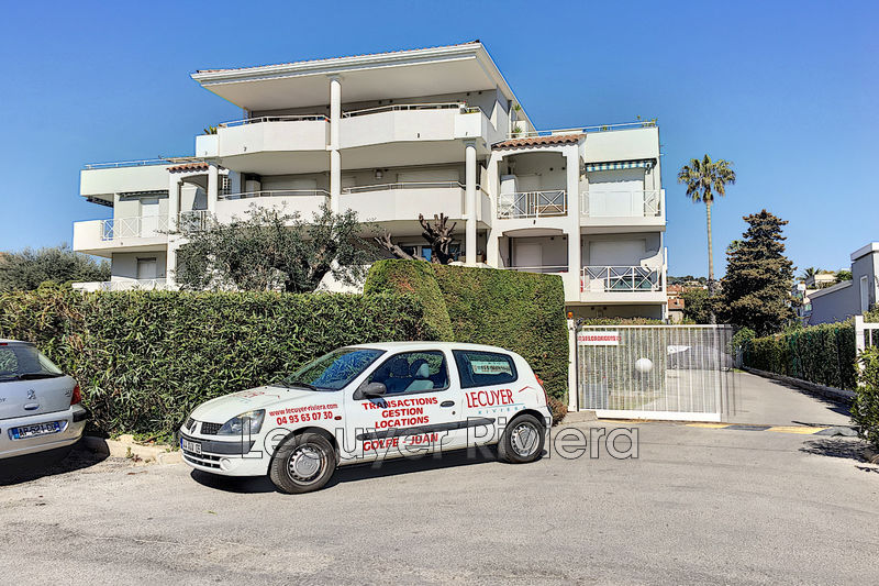 Photo Apartment Golfe-Juan Proche plages,  Rentals apartment  1 room   22 m²