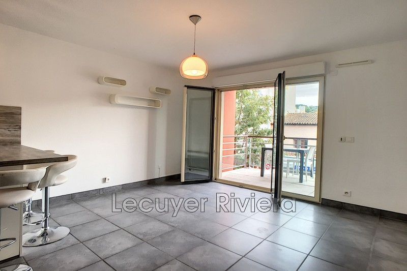 Photo Appartement Vallauris Centre-ville,  Location appartement  2 pièces   42 m²