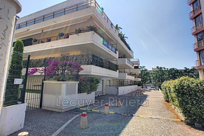 Photo Apartment Golfe-Juan Centre-ville,  Rentals apartment  4 rooms   86m²