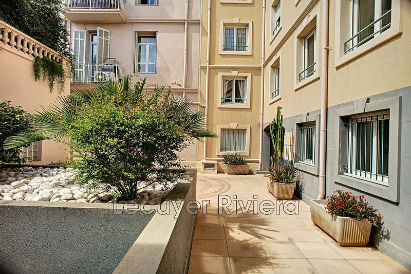 Photo Apartment Golfe-Juan Centre-ville,  Rentals apartment  2 rooms   49m²