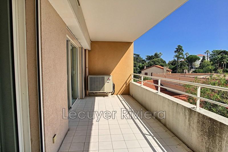 Photo Appartement Cannes Centre-ville,  Location appartement  3 pièces   67m²
