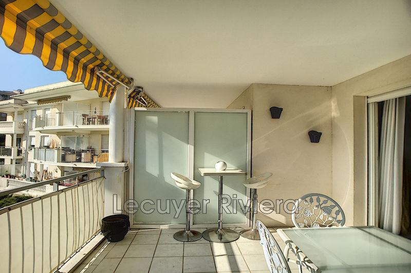 appartement  3 pièces  Golfe-Juan Proche mer  65m² -