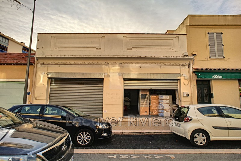 Photo Immeuble Golfe-Juan Centre-ville,  Occupational immeuble   80 m²