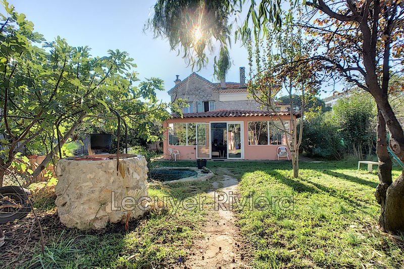 Photo House Golfe-Juan Proche plages,   to buy house  3 bedroom   150m²