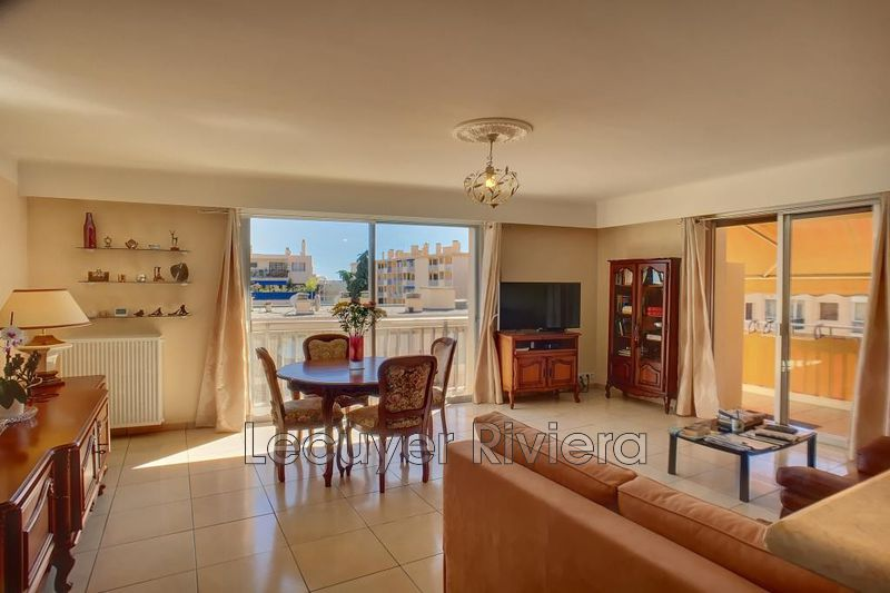 Photo Apartment Golfe-Juan Centre-ville,   to buy apartment  3 rooms   75 m²