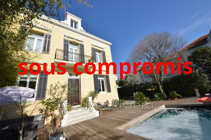 Photo Villa Golfe-Juan Centre,   achat villa  5 chambres   190m²