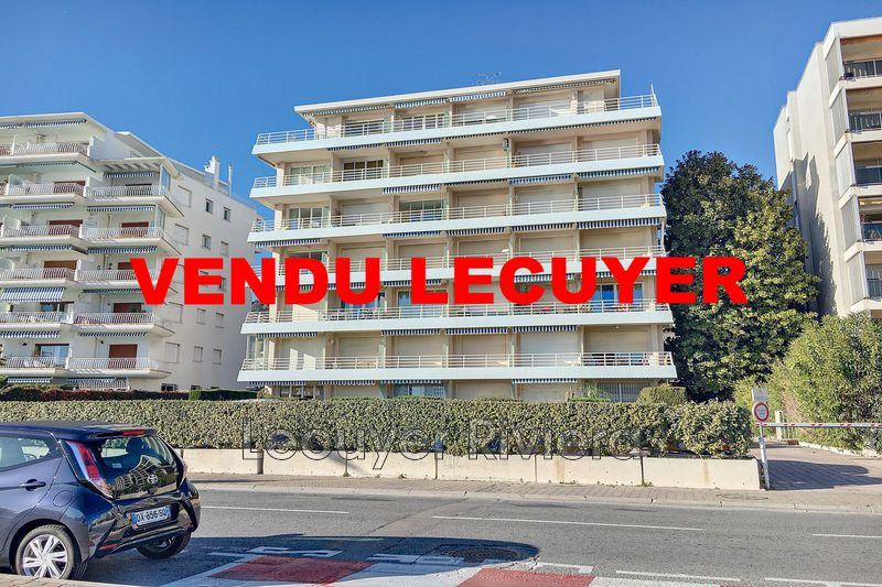 Photo Apartment Golfe-Juan Plage,   to buy apartment  1 room   32m²
