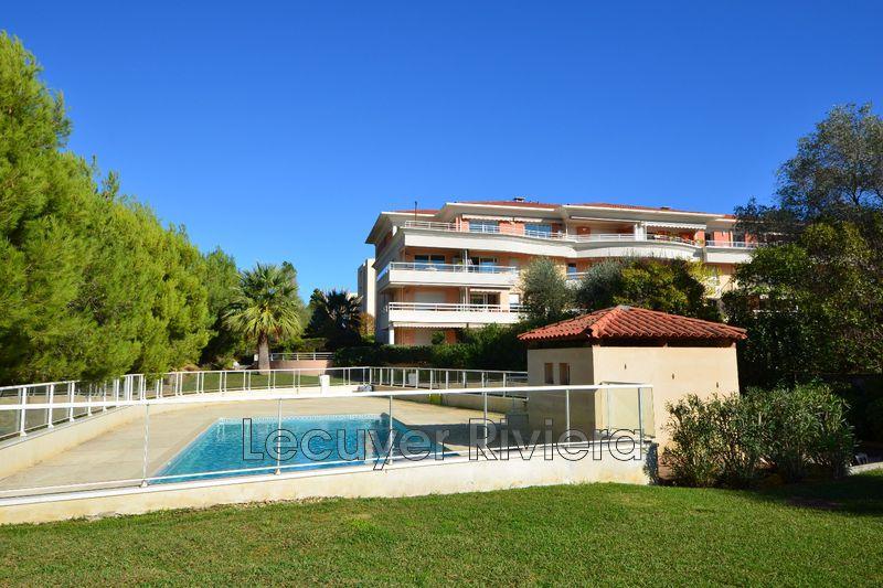 Photo Appartement Golfe-Juan Pompidou,   achat appartement  4 pièces   101m²