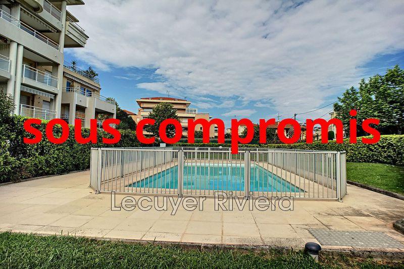 Photo Apartment Golfe-Juan Centre-ville,   to buy apartment  2 rooms   45m²