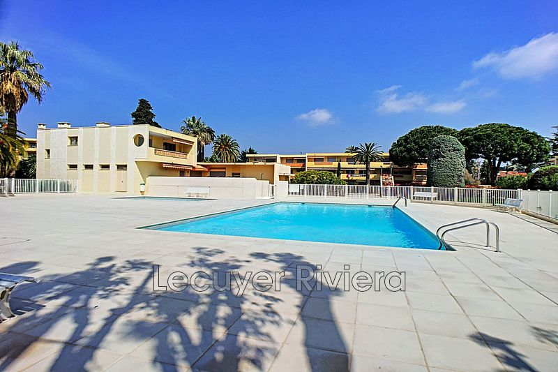 Photo Apartment Juan-les-Pins Proche plages,   to buy apartment  3 rooms   58 m²