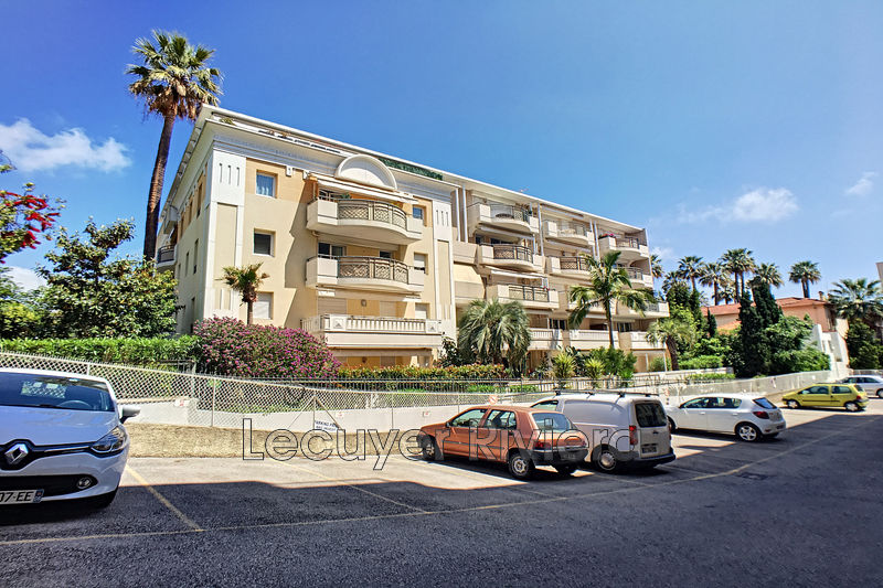 Photo Apartment Golfe-Juan Centre-ville,   to buy apartment  2 rooms   57 m²