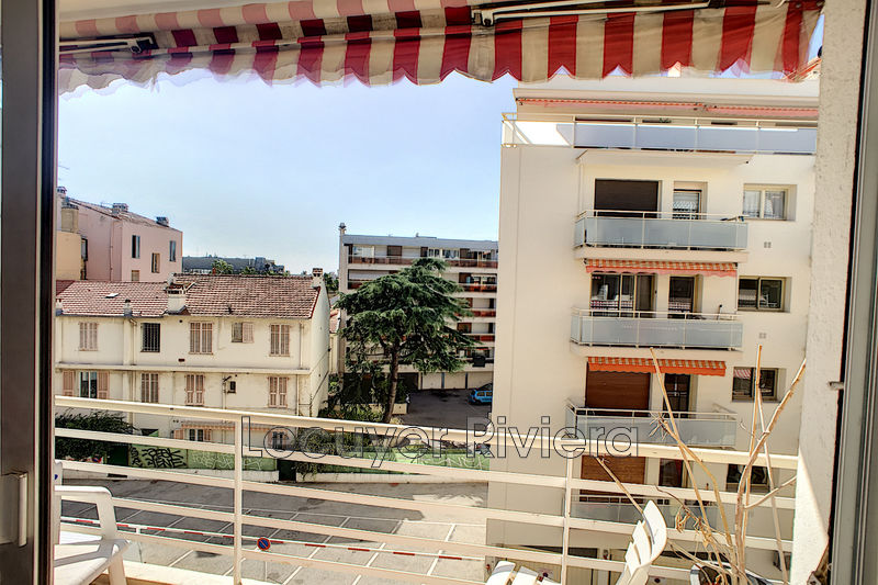 Photo Apartment Juan-les-Pins Centre-ville,   to buy apartment  2 rooms   39 m²