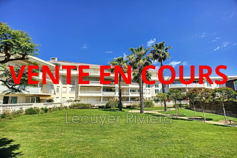 Photo Apartment Golfe-Juan Proche plages,   to buy apartment  3 rooms   64 m²