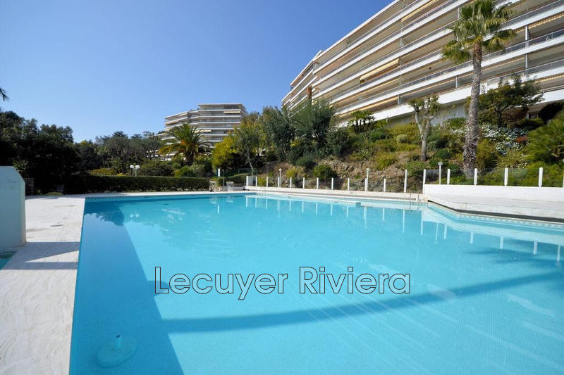 Photo Apartment Golfe-Juan Bord de mer,   to buy apartment  3 rooms   97 m²