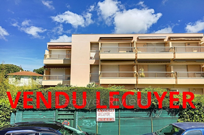 Photo Apartment Golfe-Juan Proche plages,   to buy apartment  2 rooms   46m²