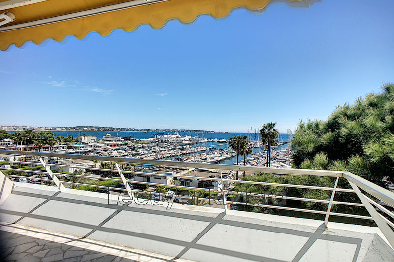 Photo Appartement Golfe-Juan Front de mer,   achat appartement  2 pièces   41m²