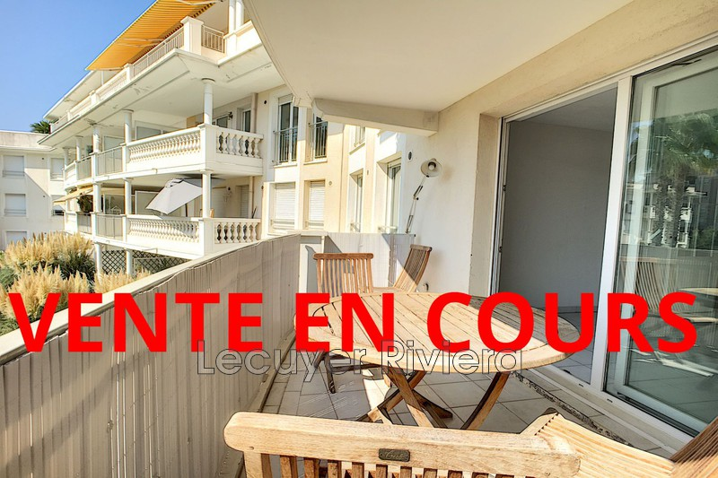 Photo Apartment Golfe-Juan Proche plages,   to buy apartment  3 rooms   50 m²