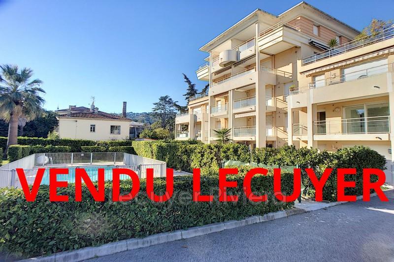 Photo Appartement Golfe-Juan Centre-ville,   achat appartement  3 pièces   65m²