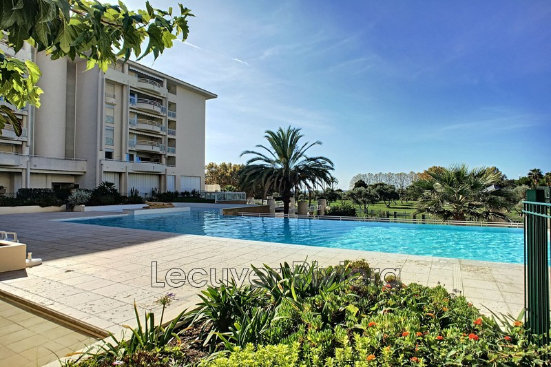 Photo Apartment Juan-les-Pins Proche plages,   to buy apartment  2 rooms   53 m²